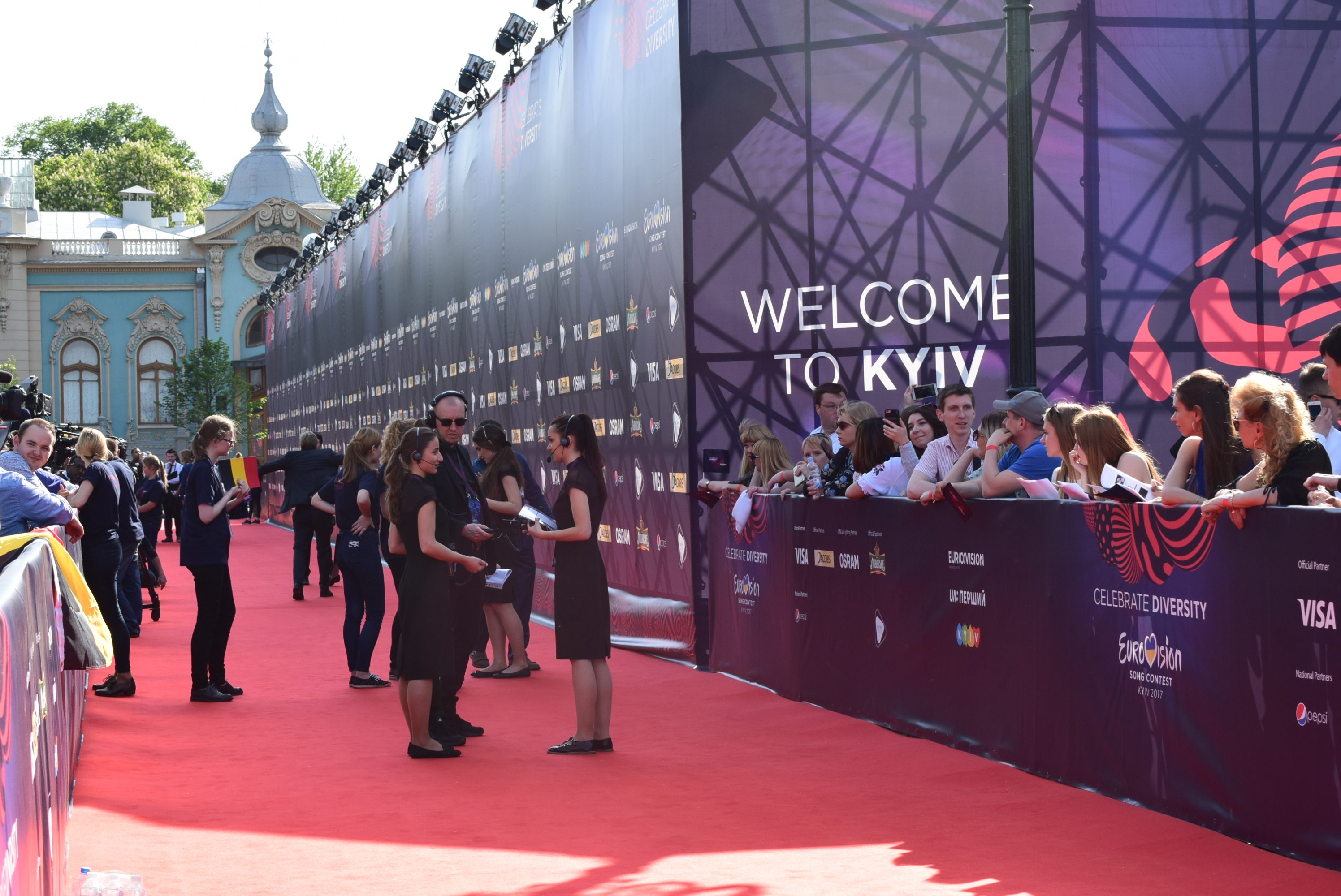 Throwback Kyiv: Hosts and Eurostars respond to our annual Red Carpet question